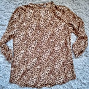 Chico's cheetah 3/4 v neck top size 1